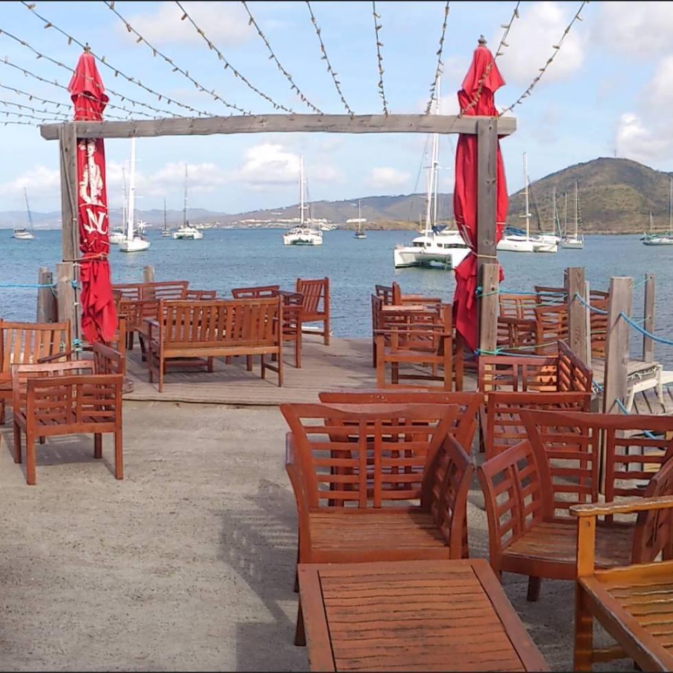Sainte-Anne Martinique - terrasse hotel la dunette