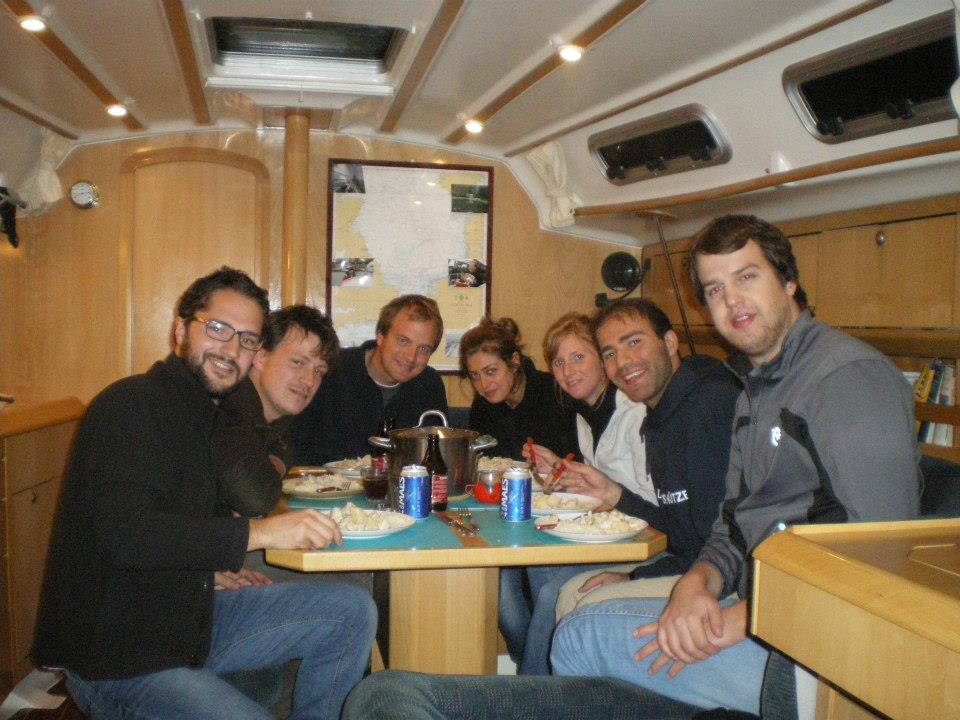 L'équipage au grand complet après une dure journée