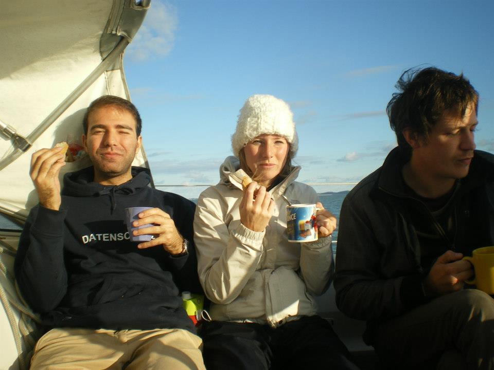 Petit déjeuner à bord d'Urga - Abtin, Allison, Hervé