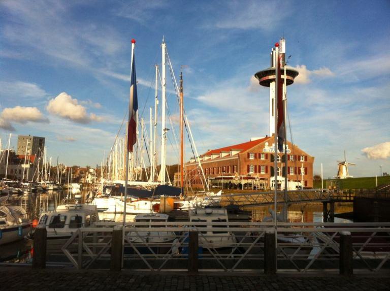 Port de Vlissingen, attention à l'entrée très étroite et aux heures de marée.